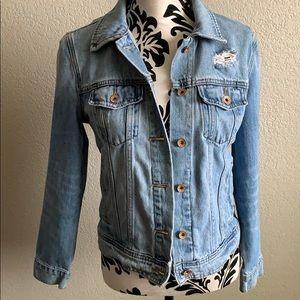 Old navy distressed Jean Jacket size medium